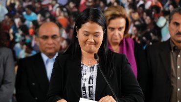 Keiko Fujimori gesteht ihre Niederlage ein. (Bild: Reuters)
